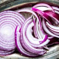 how-to-slice-onion-horiz-a2-1800